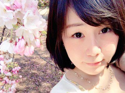 セクシーで可愛く、穏やかに。桜と共に映るマインズ娘の写真が素敵すぎる。