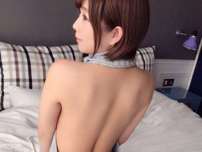 「童貞を殺すセーター」を着たマインズ娘が魅せる、背中の色気とセクシーさ。